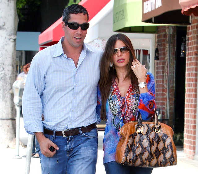 Nick Loeb and Sofia Vergara. Nick Loeb popped the question to the Modern Family actress during a Mexican getaway to celebrate her 40th birthday in July 2012.