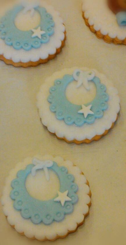 Hand decorated cookies@ Cupcake Pardiso, Rimini, Italy - biscotti decorati per un bimbo #azzuro #confetti #maglia #segnaposto #baby #blue #battesimo # baby #boy Rimini, Italia