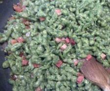 Ricetta Spatzle verdi con panna e speck pubblicata da laurac79 - Questa ricetta è nella categoria Primi piatti