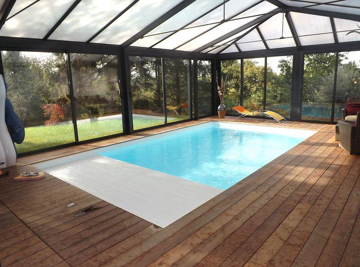 les 42 meilleures images du tableau piscine interieure sur pinterest piscines piscines. Black Bedroom Furniture Sets. Home Design Ideas