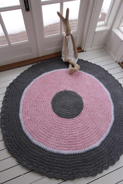 Virkattu Flamingo-matto 170cm