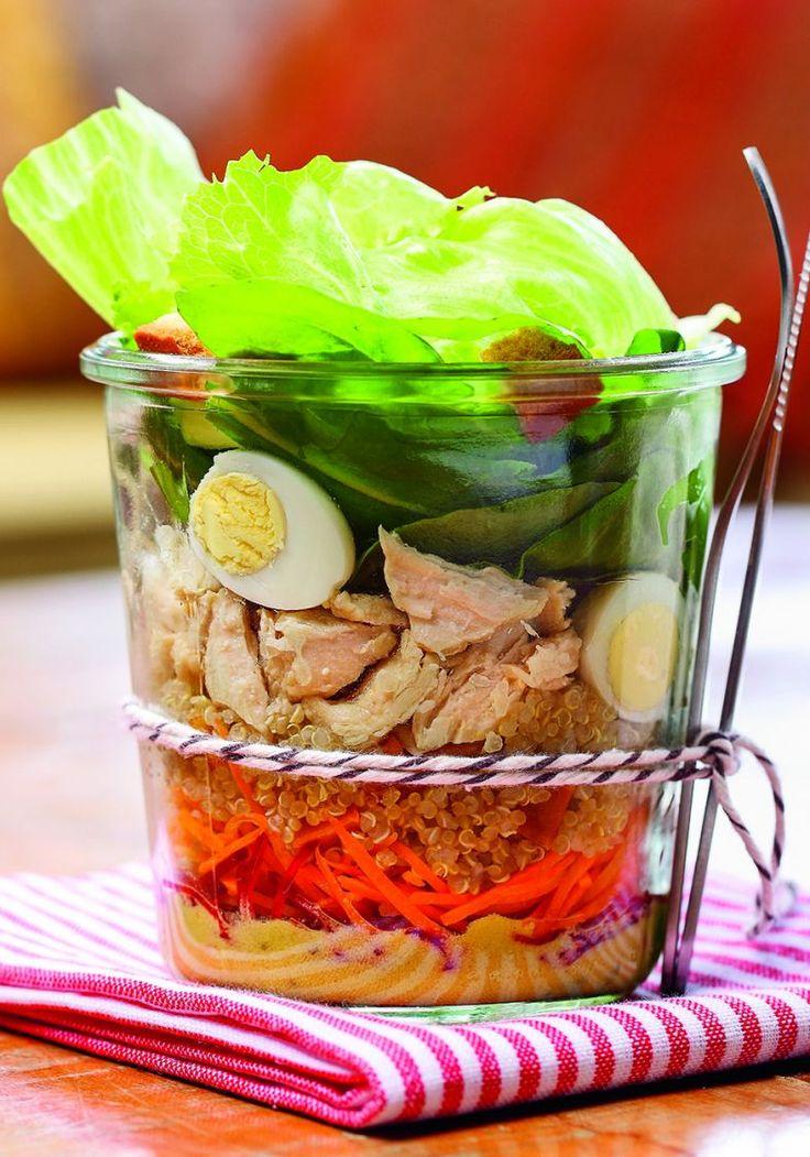 2. Terça-feira: salada de ovo e frango no pote