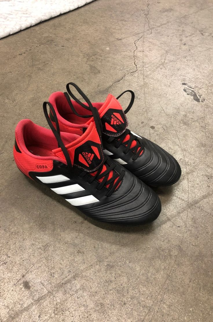 Adidas soccer cleats good condition hardly worn size 6