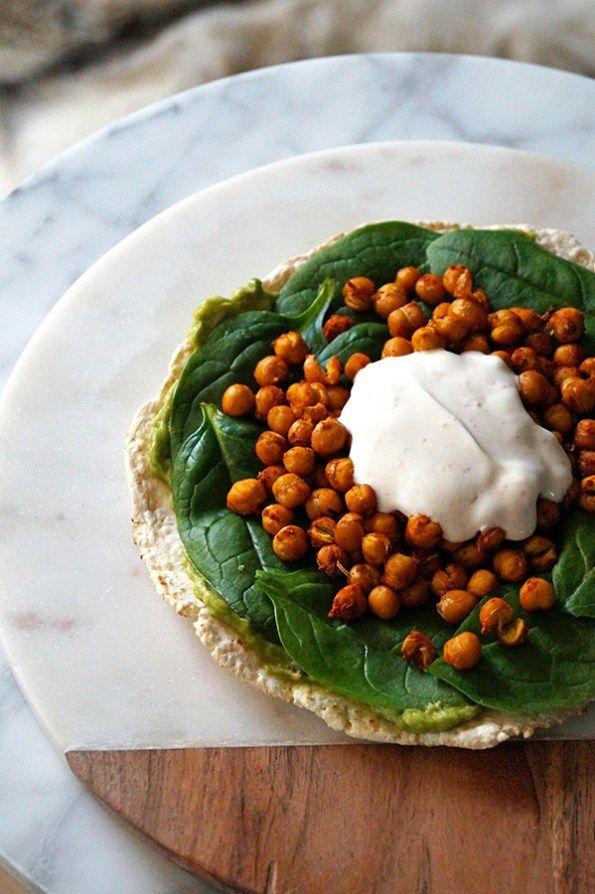 glutenvrije-wrap-met-kikkererwten-en-avocado