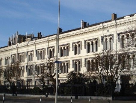 Te huur: monumentaal kantoorpand met fraai aangelegde achtertuin met uitzicht op de 'Nieuwe Maas' en de 'Kop van Zuid', kantoorruimtes  beschikbaar in verschillende afmetingen! Meer weten? Bel 085-4013999.  http://www.huurbieding.nl/huur/kantoorpanden/1-01269/rotterdam/javastraat-6-tm-12.html  #tehuur #huren #kantoorruimte #kantoor #pand #achtertuin #Nieuwe #Maas #Kop #van #Zuid #Monumentaal #diverse #mogelijkheden #vastgoed #ondernemers #gezocht #Huurbieding #Zuid-Holland #NL #Nederland