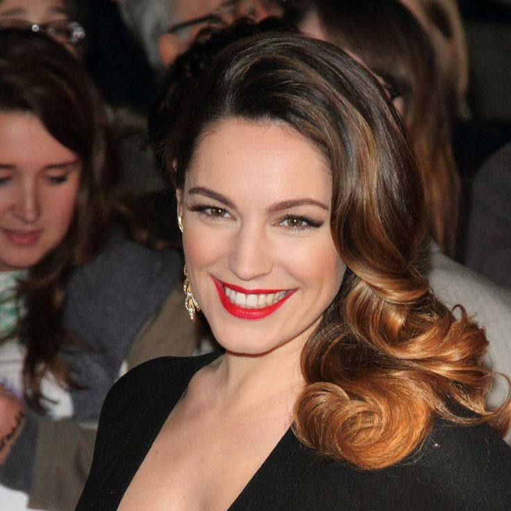 Kelly Brook fait le buzz à la cérémonie des National TV Awards à Londres, le 22 janvier 2014.
