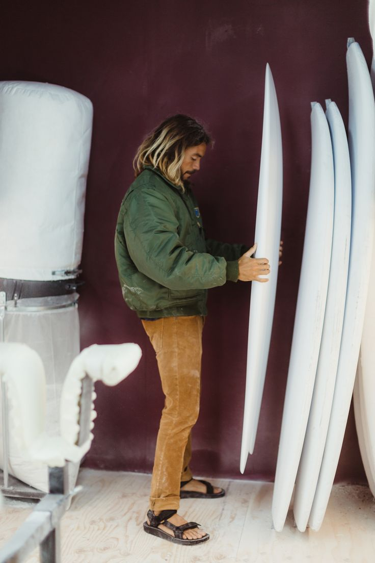 One of our Explorer Collective members caught up with surfer and surfboard shaper Kurtis Woodin in his Carlsbad-based studio. Check out the Teva blog to learn about the inspiration and passionate work behind Woodin's Surfboards ->