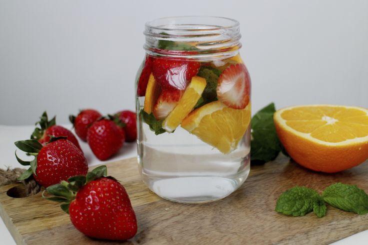 """""""Mantén tu Cuerpo Hidratado, Desintoxica y Elimina Líquidos durante Tú Embarazo, probando estas 5 Aguas Detox"""""""