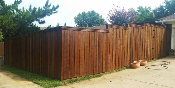 Board On Board Wood Fence Metal Posts 8 Ft 6 Ft Wood Fence
