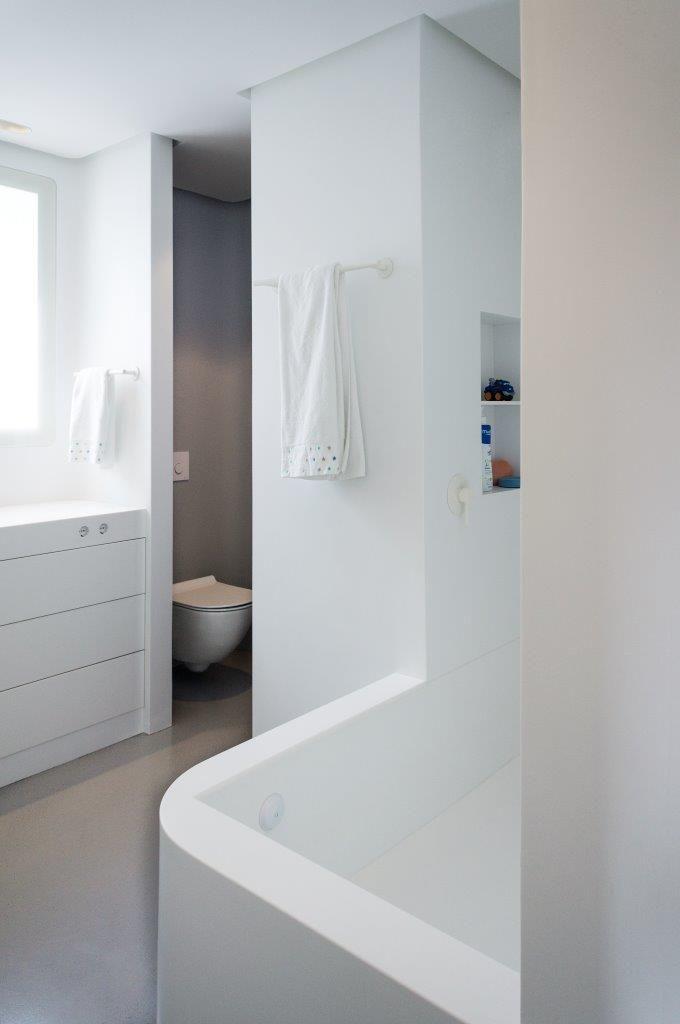 Mecanismos plantea el concepto Cápsula para baños realizado con KRION®
