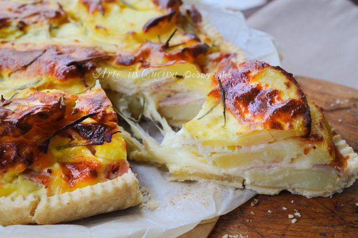 Torta di patate con prosciutto e mozzarella
