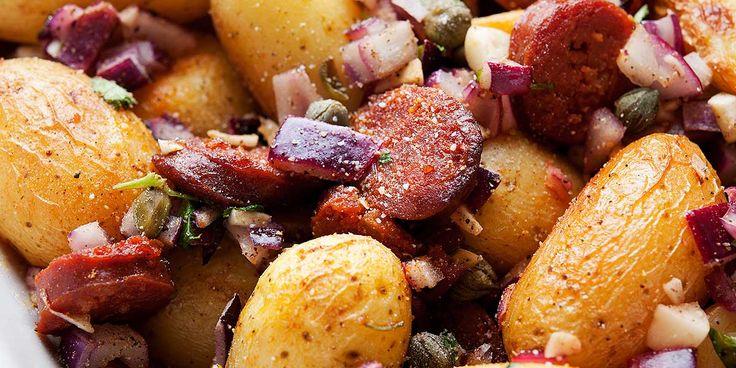 Er du ute etter en god oppskrift på chorizo med poteter, hvitløk og kapers? Besøk nettsidene til Taga og bli inspirert til å lage noe nytt!