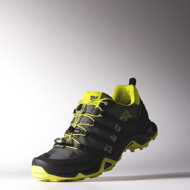 CF Swift Racer, Chaussures de Running Homme, Gris (Grey Two/Solar Yellow/Footwear White 0), 45 1/3 EUadidas