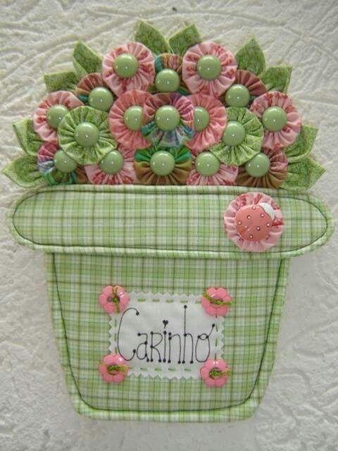 Canasta con flores /almojadones