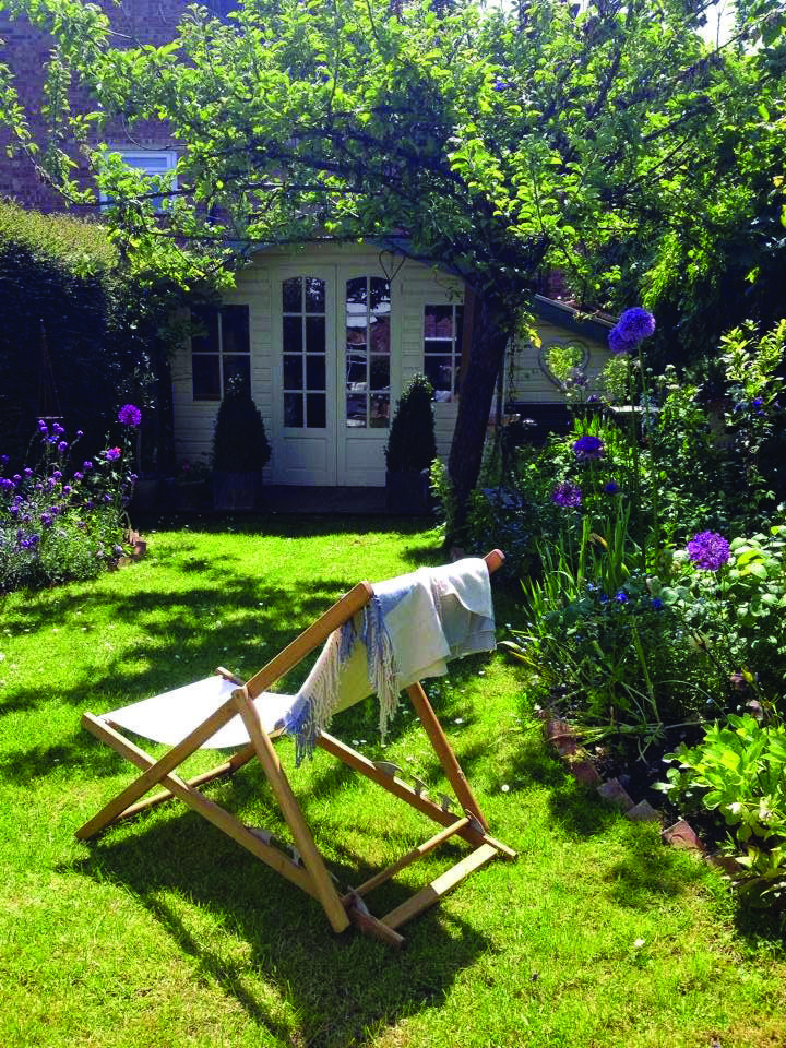Summer House Concepts To Influence You To Create The Landscape Of Your Aspirations Small Cottage Garden Ideas English Cottage Garden Cottage Garden Design
