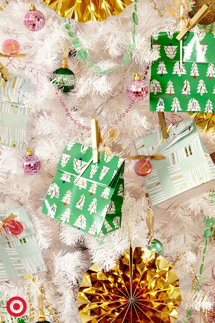 Let the gifts keep giving with bagged treats that make it sweet on you and your guests.