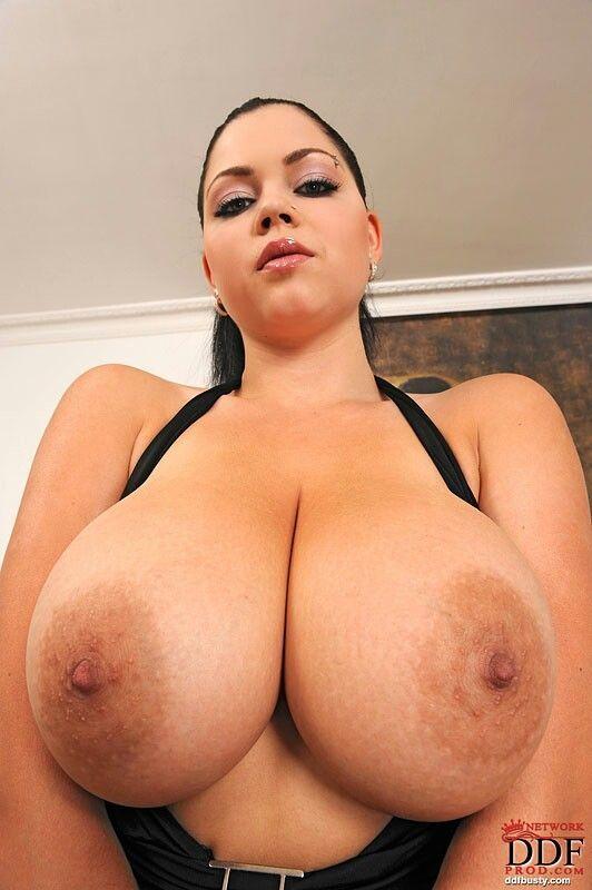 Photos gratuites petits seins