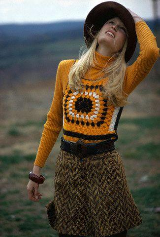 1971 crochet fashion 70s vintage style turtleneck wool herringbone skirt shorts knit sweatervest vest black orange model hat brady bunch looks