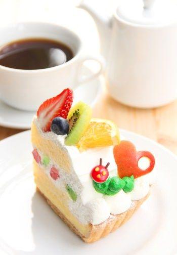 絵本「はらぺこあおむし」と吉祥寺パルコ内のカフェがコラボ!フルーツたっぷりのタルトなど