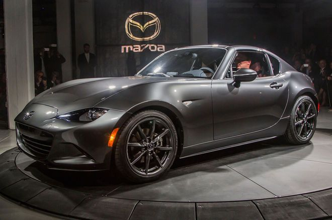 2017 Mazda MX-5 RF Debuts in New York With a Power Targa Roof - Motor Trend