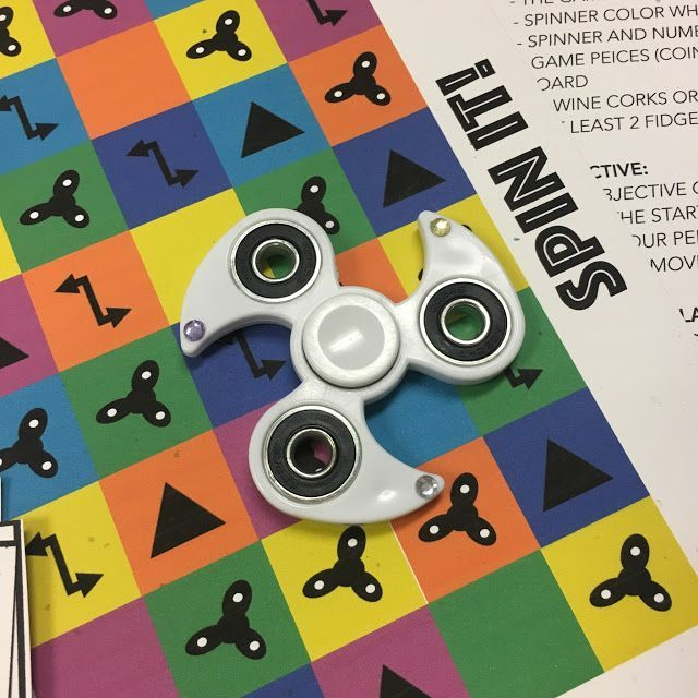 Fidget spinner game PDF printable! Win the game by doing fidget spinner tricks and outsmarting your opponents.
