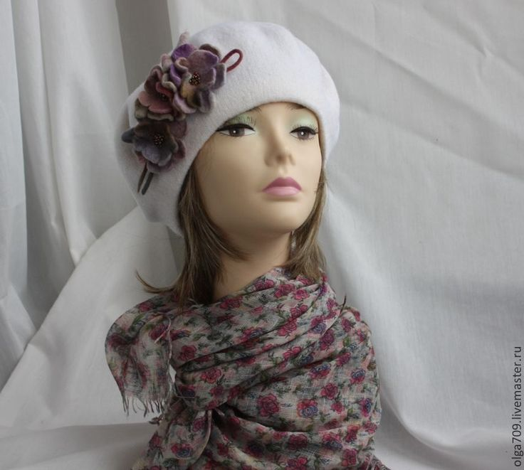 Берет Нежность акварели - белый,цветочный,стильный аксессуар,осенний головной убор