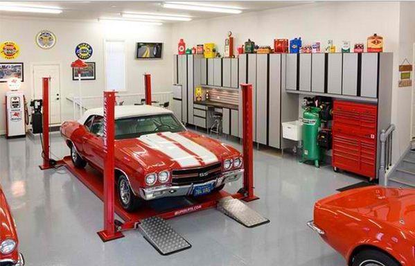 alat-alat kebun ditempatkan di garasi atau bahkan alat memancing bisa ditempatkan di beberapa model desain garasi mobil berikut