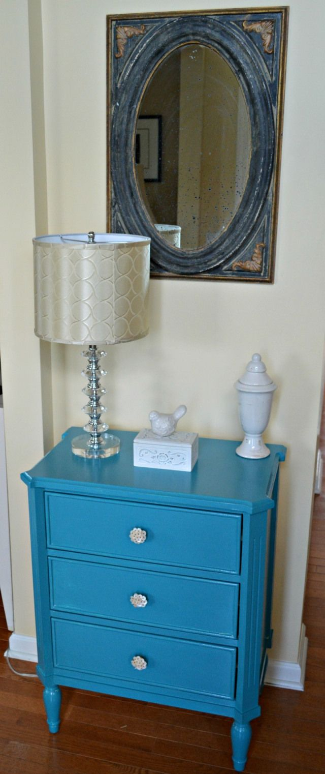 Funky Foyer Furniture : Love this turquoise table placed in the foyer of home