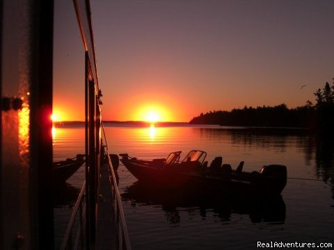 Rainy Lake Houseboats premier houseboat rentals, International Falls, Minnesota Sailing & Yacht Charters - RealAdventures