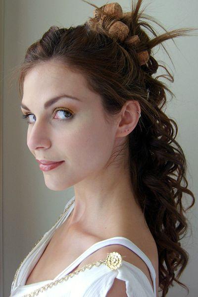 #Greek #goddess inspiration! Golden makeup and semi-updo for long curly hair.