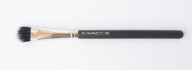 Anna van Seltz : MAC Cosmetics - 287 Duo Fibre Eye Shadow Brush