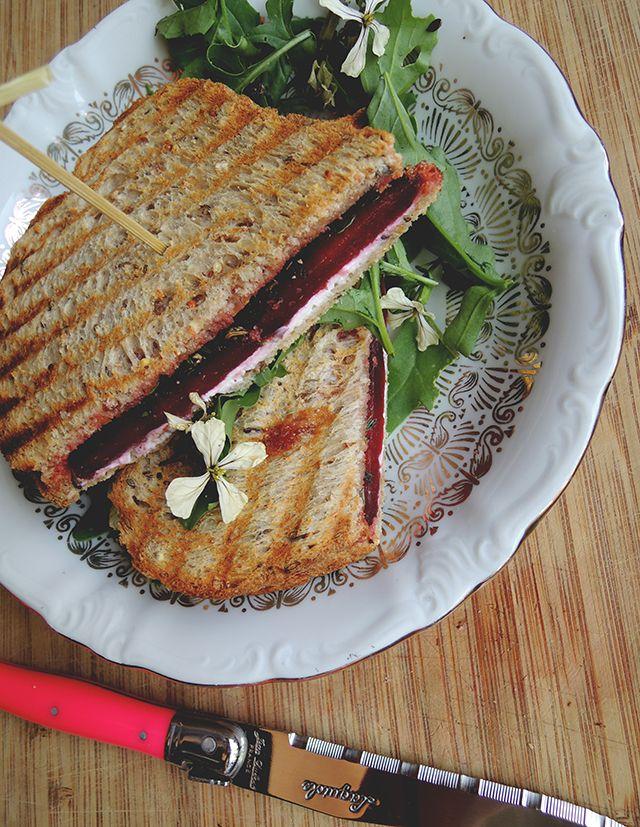 recept tosti geitenkaas met rode biet | Ikbenirisniet.nl