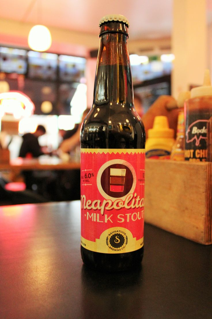 Saugatuck Brewery's Neapolitan Milk Stout at Bodeans Beer Festival #NewYearNewBeer