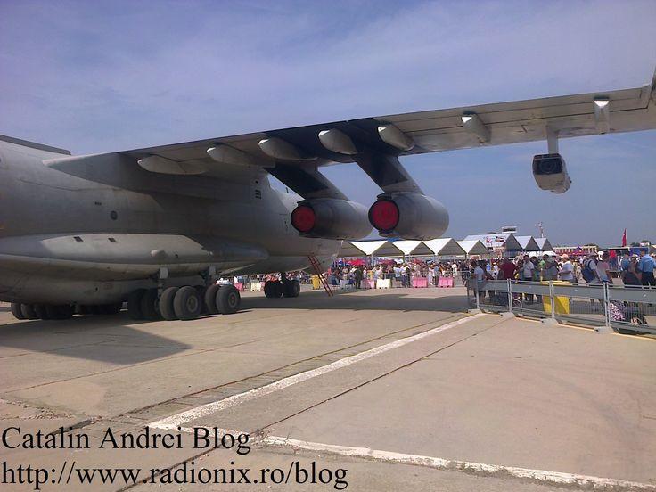 Ce-a de-a şaptea ediţie a celui mai important spectacol aviatic din România, Bucharest International Air Show (BIAS) 2015, a reunit 120 de aeronave civile şi militare în evoluţii aeriene şi expuse publicului, dar şi peste 200 de piloţi şi paraşutişti - la Aeroportul Internațional București Băneasa - Aurel Vlaicu.