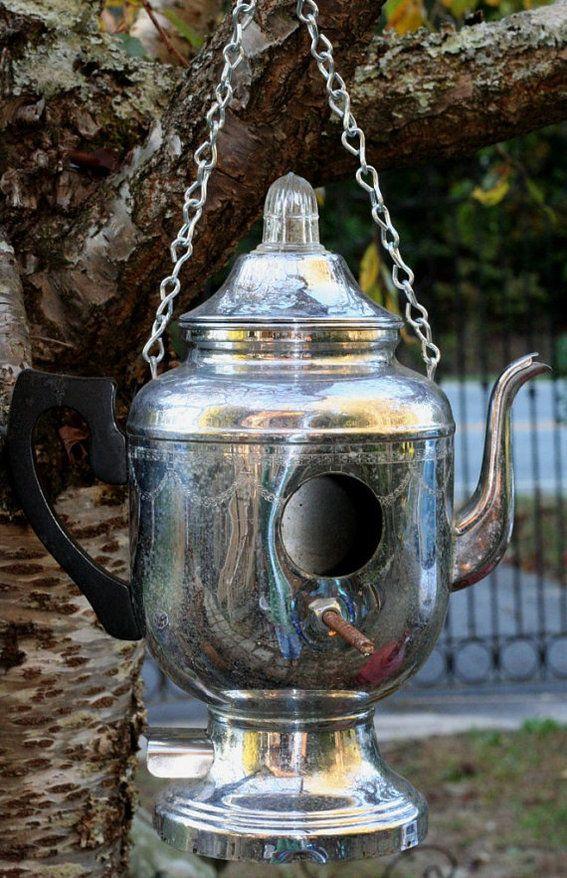 10 Delightful DIY Birdhouses - Use your vintage tea pots and make home for birdies.