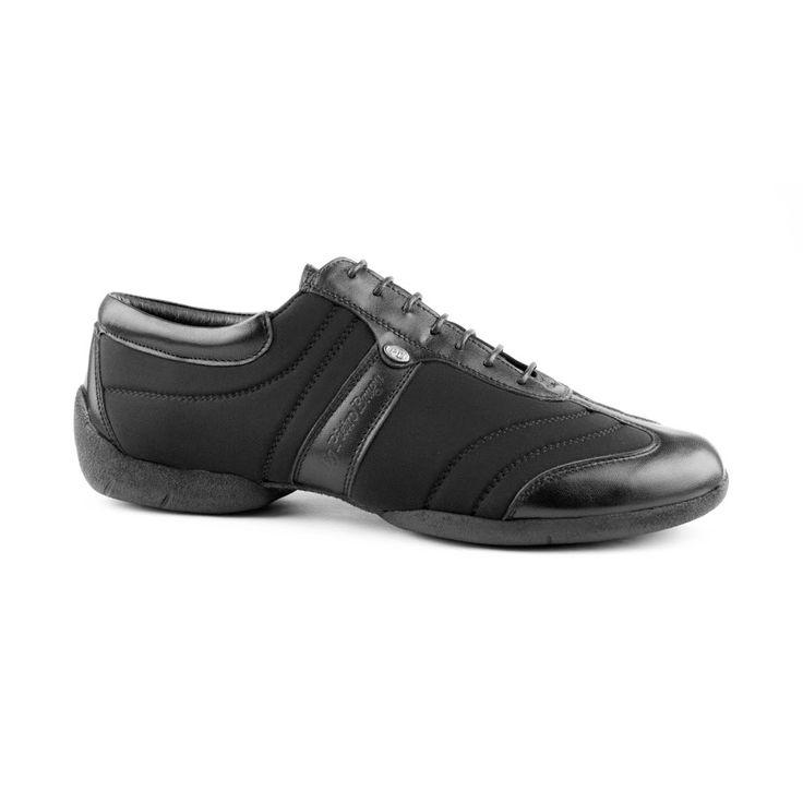 Denne superlækre dansesneakers kommer fra PortDance og er udført i sort lycra og læder. Skoen er tilført gummisål for fremragende grip og spins. Modellen PD Pietro Braga Dansesneakers er en sko i højeste kvalitet inden for fleksibilitet, design og komfort. En meget anbefalelsesværdig dansesko! Fåes hos Nordic Dance Shoes: http://www.nordicdanceshoes.dk/portdance-pd-pietro-braga-laeder-lycra-danse-sneaker#utm_source=pin