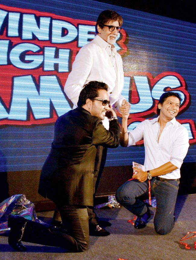 #BigB at the music launch of #Mika's debut film as actor - Page 3 News  It was a dream come true for singer Mika Singh when actor Amitabh Bachchan unveiled the music of his debut film as an actor. Mika Singh and #Shaan seek Amit....http://goo.gl/Y42ZOH