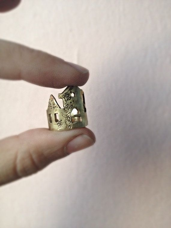 Bronze Fairytale Castle Ring | Chevalier/Mid finger