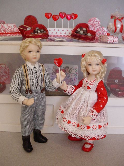 GOOD TIMES: February - Time For Little Sweethearts (Dollshouse dolls by Debbie Dixon-Paver)