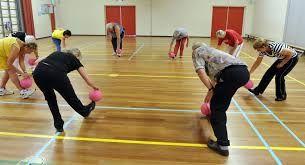 ouderen vinden het leuk om bij het sporten naar muziek te luisteren en mee te bewegen