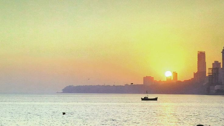 Sunset at Chowpati Beach, Marine Drive Mumbai 😇