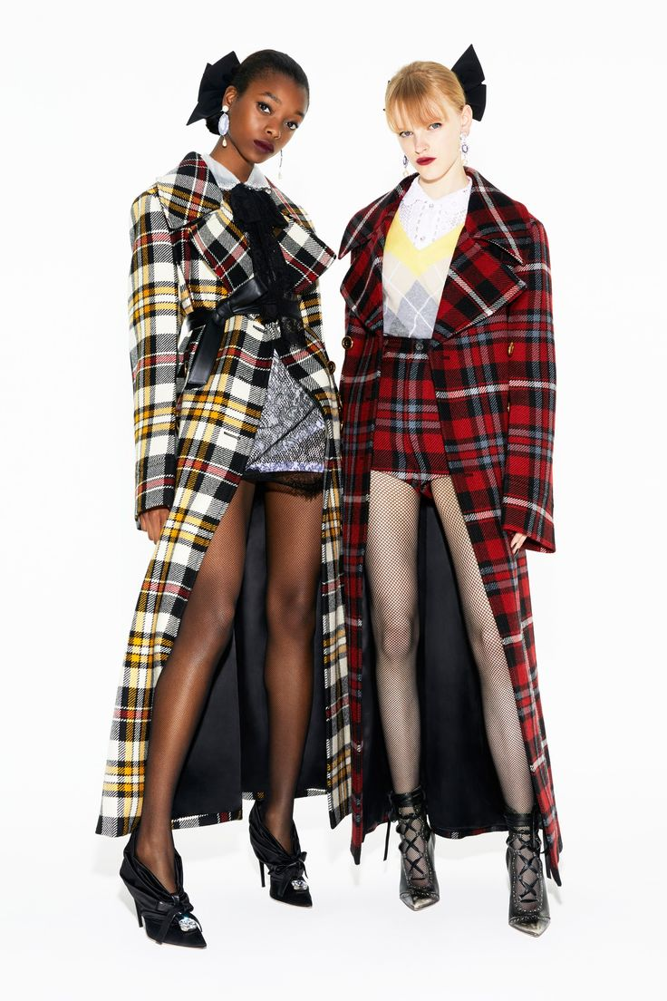 https://www.vogue.com/fashion-shows/pre-fall-2018/miu-miu/slideshow/collection#12