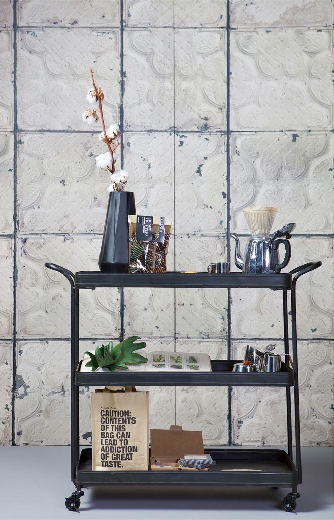 Be pure tea trolley op 4 wielen in het metaal zwart met 3 metalen planken…