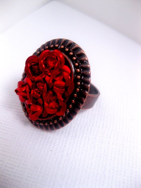 Sleeping Beauty Ring.   An Eternal Bed Of Roses as a monument to her beauty. by FashionCrashJewelry