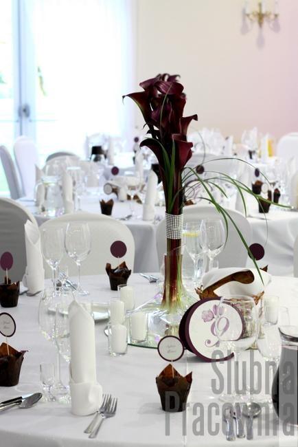 czekoladowo bordowe dekoracje stołów