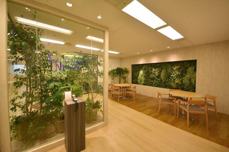 オフィスデザイン実績~ボタニカルなデザインで安らぎを忘れない。モダンでシャープなクリアオフィス