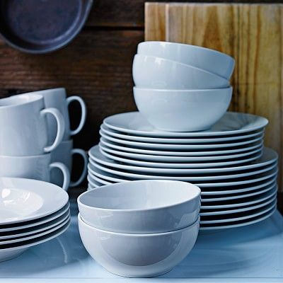 Williams-Sonoma Open Kitchen Dinnerware Collection #williamssonoma  Need salad plates (only have 1 left)