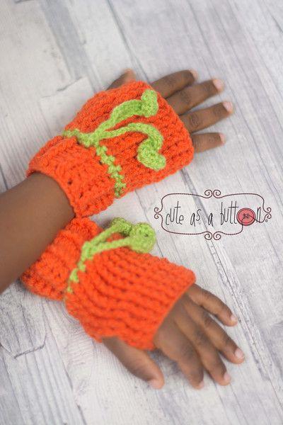 Häkelanleitung für süße Kürbis Handschuhe und Mütze, Winter Accessoires / halloween crochet pattern: gloves and beanie in shape and look of a pumpkin made by cute_as_a_button_jen via DaWanda.com