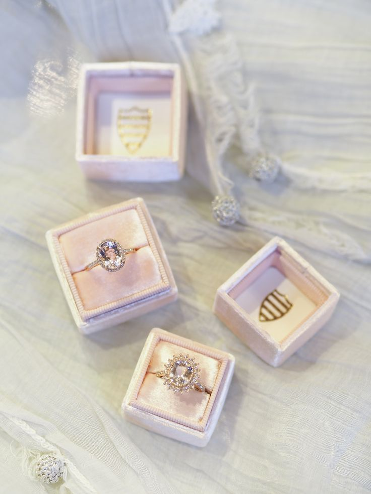 #ring #rose #rosegold #diamonds #precious #love #engagement #wedding #jewellery #pink #mrsbox