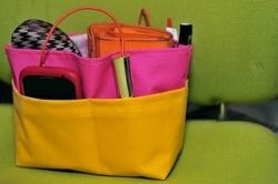 """Free sewing tutorial """"Moving bag"""" / purse organizer for moving all your stuff from one purse to another."""